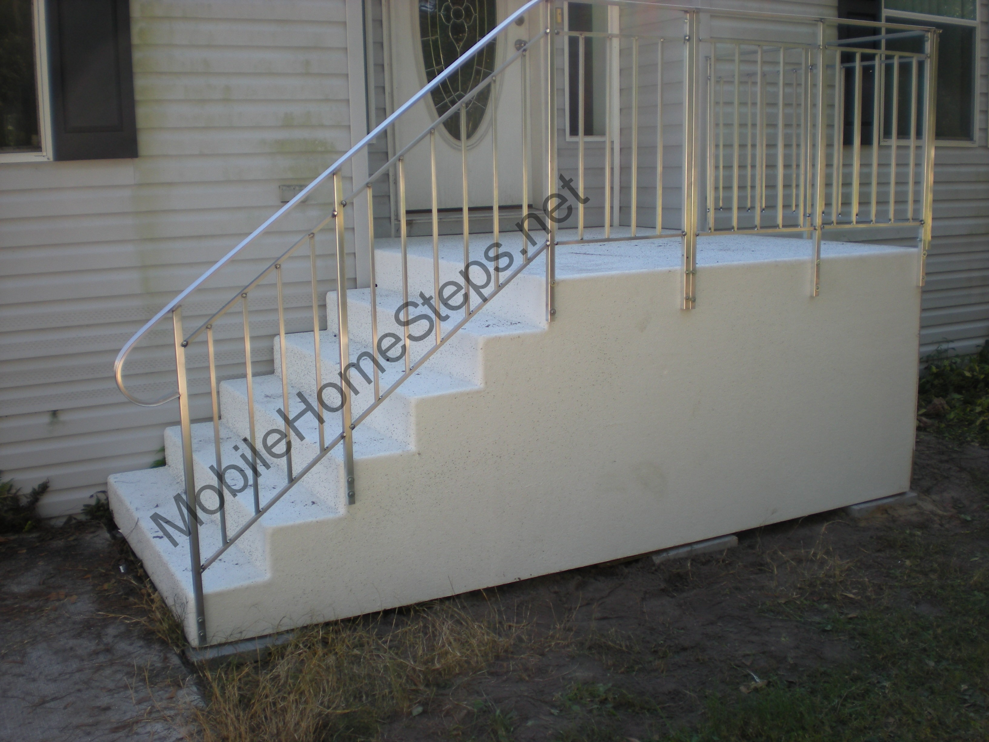 Fiberglass Steps | Mobile Home Steps Manufacturing Co.